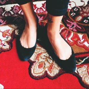 Madewell black suede flats (size 6)